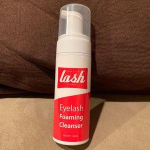 Eyelash cleanser
